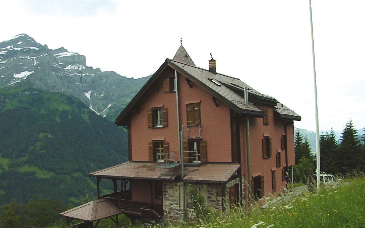 """<a href=""""https://villakunterbunt.ch"""">Pfadiheim Villa Kunterbunt Schwanden</a>"""
